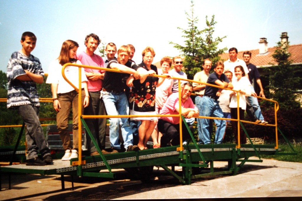 l'équipe du foyer sur le pont en 1997